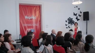 """GolinHarris a creat """"Labirintul inimii"""" pentru lansarea MegaRed in Romania"""