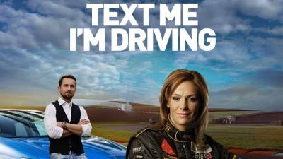 Dani Otil si Roxana Ciuhulescu raspund la SMS in timp ce conduc, intr-o campanie Toyota semnata Saatchi & Saatchi