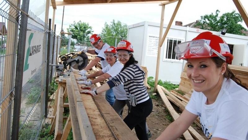 Casele SOS Satele Copiilor Bucuresti, renovate de 20 de angajate Whirlpool