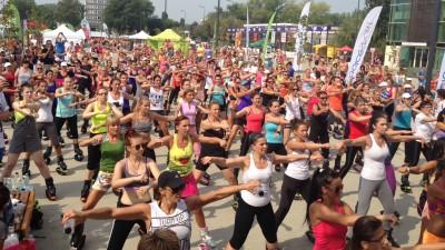 """Peste 20.000 de persoane au participat la """"Cea mai mare ora de sport"""" powered by Dolce Sport"""