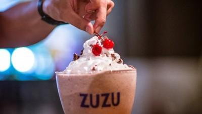 Milkshake-ul Zuzurias condimenteaza mult si dulce la Fabrica, cu prilejul ADfel 2014