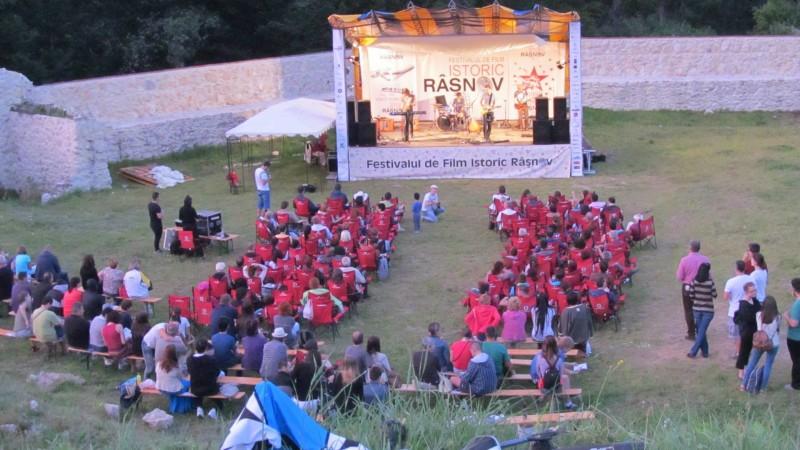 Campania de comunicare a Festivalului de Film Istoric de la Rasnov este semnata de Golin