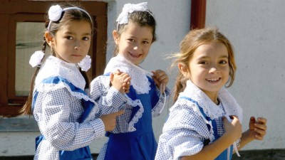 UNICEF si Carrefour ajuta copiii sa mearga la scoala