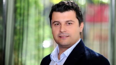 Cosmin Mares (TOTAL PR): Am curtat cel mai recent client, Paravion, inca de cand am decis sa ne specializam si pe sectorul e-business