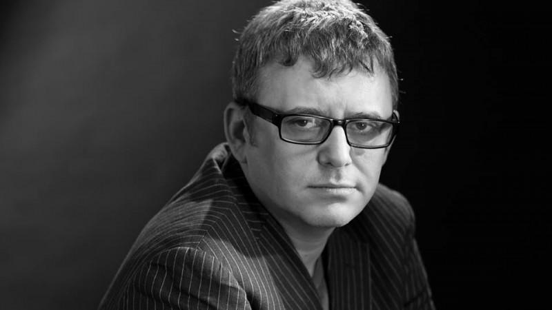 Iulian Comanescu: Principalul vinovat pentru tabloidizare este publicul. Principalul vinovat pentru lipsa presei serioase este, in schimb, presa