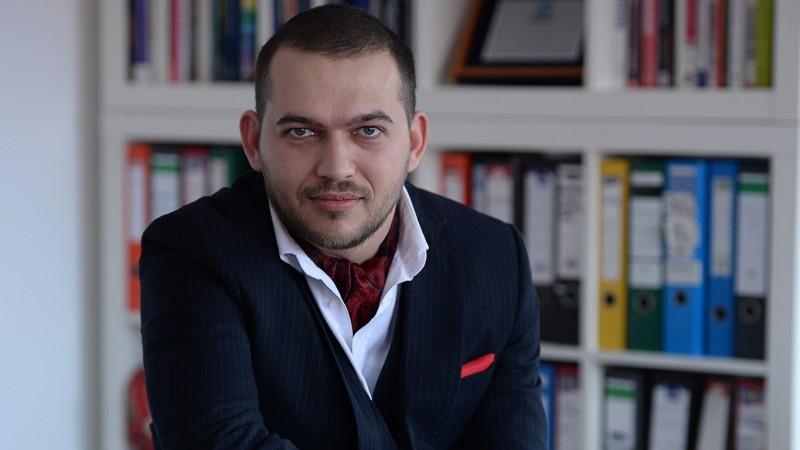 """[INSIDER 2007-2014   Schimbari in business-ul de branding] Irinel Ionescu: Vad multi dintre oamenii cu care lucrez ca se """"imprietenesc"""" pe Facebook cu oameni de la client"""