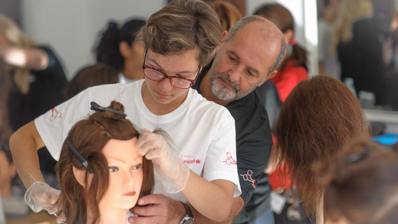Wella Professionals si UNICEF: Atelierul de Formare din Piatra Neamt – un parteneriat public-privat in beneficiul adolescentilor vulnerabili
