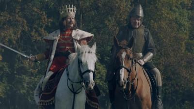 La placinte inainte, la alegeri inapoi - Stefan cel Mare si Mihai Viteazul invie pret de 2 spoturi #LeoReloaded