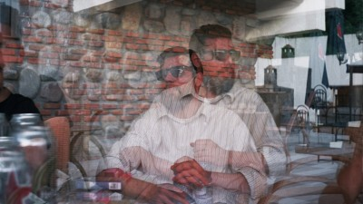 [Tinerii din agentii - Saatchi & Saatchi] Razvan Lazareanu e tipul ala aventurier cu multe de povestit la bere