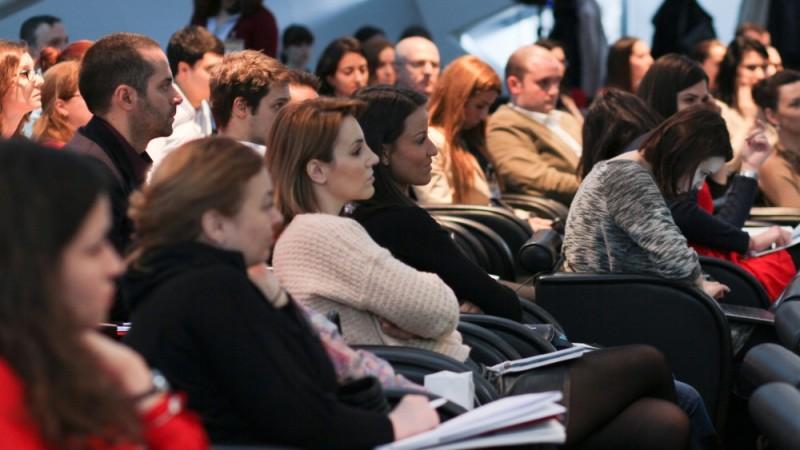 Focus pe femei, barbati si tineri la conferintele SMARK KnowHow din octombrie