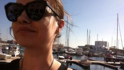 [Parinti de publicitari pe Facebook] Simona Lazar: Aveti grija ce faceti pe Facebook, prieteni, mama e cu ochii pe voi