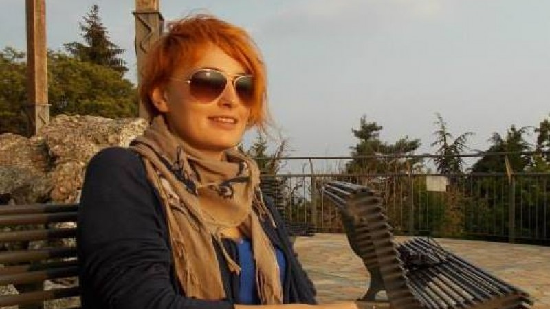 [Parinti de publicitari pe Facebook] Sorana Somesan: Mama posteaza cugetari si citate. Dar asta fac si fostii mei colegi de liceu, deci ce sa mai zic de ea?