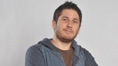 "[Romanismul si publicitatea] Andrei Munteanu a purtat o zi intreaga prin Barcelona un tricou pe care scria ""Yes, sir, I'm a Romanian"""