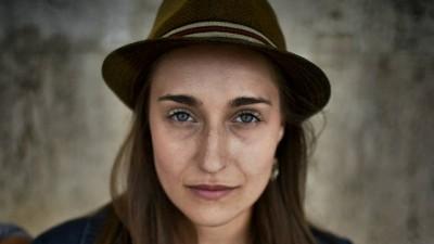 [Romanismul si publicitatea] Dana Cucos: Chiar daca ne-am mutat catrafusele in oras, ca e cool, taranul si taranca din noi sunt vioi