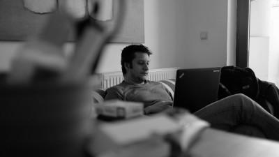 [Romanismul si publicitatea] Alex Negoescu: Atat timp cat iti poti comanda cu mandrie un McMici, pare ca totul e posibil
