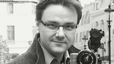 Vlad Mixich: E prea mare zgomotul: zgomotul lui Badea, zgomotul lui Banciu, zgomotul tuturor croncanitorilor platiti doar sa imprastie ceata, etichete si ura