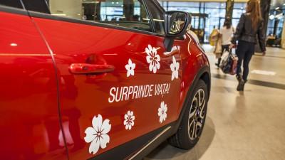 In luna Femeii, Renault a oferit soferitelor martisoare auto personalizate