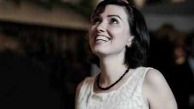 Andreea Ghenoiu (Jazz) si cliseele feminine: Oare n-ar fi dubios sa pozitionezi un detergent ca fiind ceva viril?