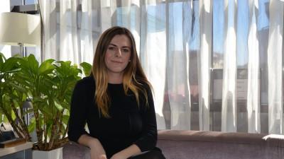 """Cristina Cenuse (Lowe Vibe): Daca vede o Catena, urmata de Carmol si Crai, strainul va zice ca cei care catalogheaza romancele drept """"frumoase"""" sunt nebuni"""