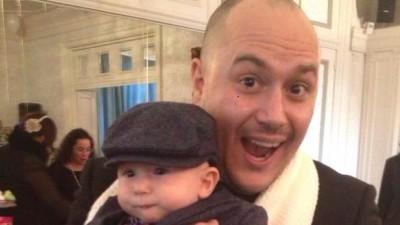Putin cliseic si poate prea italian, dar Jorg Riommi s-a indragostit de o fetita cu gluga galbena