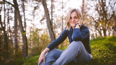 """[Vlogging-ul autohton] Anne-Marie Chelariu: Mi se pare normal sa fiu simpatica pentru unii si antipatica pentru altii, dar nu tranti un """"moldoveanca proasta"""", ca te joci la alta scara"""