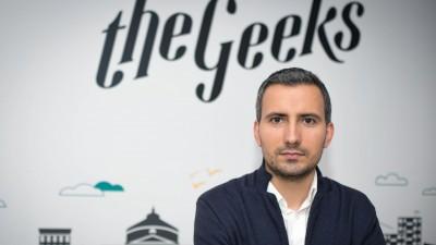 Costin Radu: Toata lumea lucreaza pentru a creste diversi indicatori care se refera la pagina si activitatea de Facebook, nu la cresterea unor comunitati