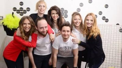 """Talentivity prezinta spectacolul """"Nunta perfecta"""" cu Adela Popescu, Laura Cosoi, Catalina Grama, Alina Chivulescu, Adina Galupa si Dan Radulescu"""