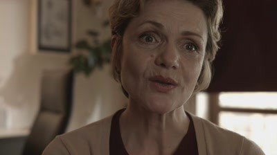 Povestea Evei, Make-up Artist de Depresie