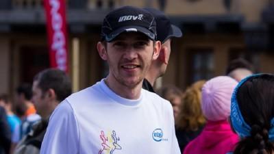 [Cine alearga in Romania?] Gabriel Solomon: Maraton insemna vizionarea de 10 episoade a unui serial unul dupa altul