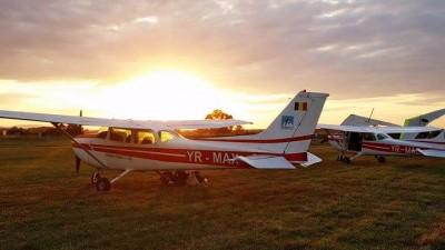 Pasiunile pentru muzica si zbor se imbina perfect la Airfield Festival