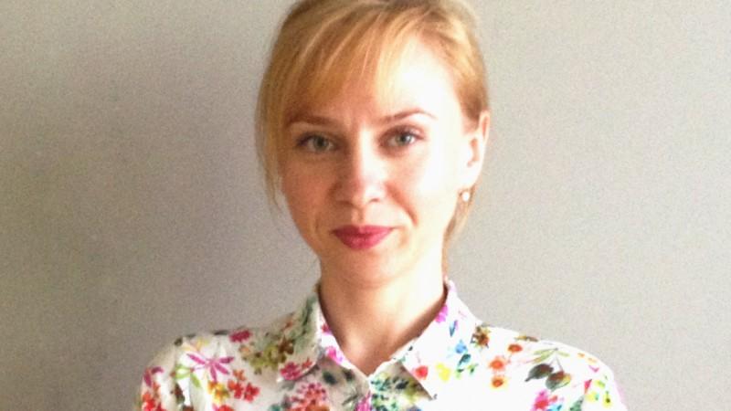 [Brand romanesc] Dana Pocarascu (Sanofi Romania): Campaniile recente Dicarbocalm pun accent pe provocarile stilului de viata modern care pot contribui semnificativ la aparitia simptomelor de hiperaciditate