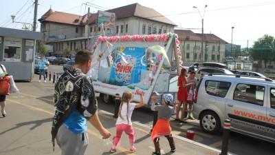 Caravana Savex aduce parfum pe strazi si un bubbleSHOW gigantic