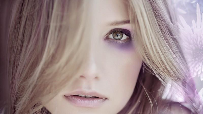 """""""Parfumul"""" violentei domestice din noua campanie a Fundatiei Sensiblu"""