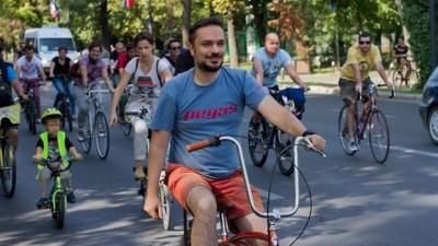 [Tinerii din Romania] Andrei Botescu (Pegas): Tinerii apreciaza branduri si proiecte mici produse de oameni cu care impartasesc aspiratii comune: ecologie, hand-made, organic
