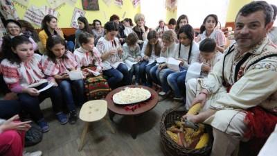 Pactul comunitatilor mici si al viselor amanate