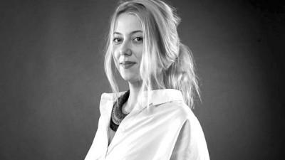 """[Client Service 2.0] Mia Munteanu (Marks): Jobul unui account nu este """"sa pastreze clientul fericit"""", pentru asta exista terapie"""