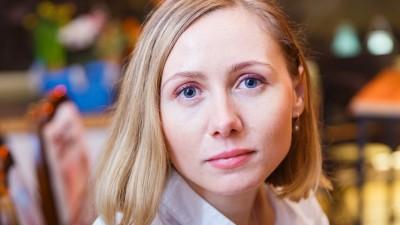 [Tinerii din Romania] Roxana Grigorean (Samsung Electronics) despre tineri, selfie-uri de grup si hashtag cu Romania