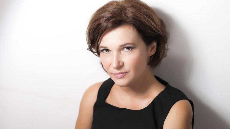 [Salut, sunt freelancer] Adela Dan: Viata de agentie e comoda si te leneveste. Freelancing-ul iti trezeste si iti ascute toate simturile. Daca vanezi, mananci; daca nu, nu