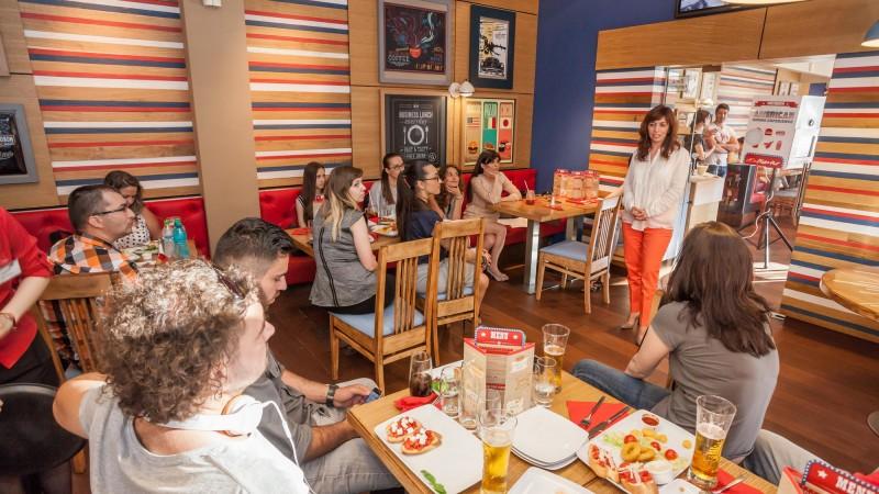 Experiente americane autentice, cu Pizza Hut si Golin