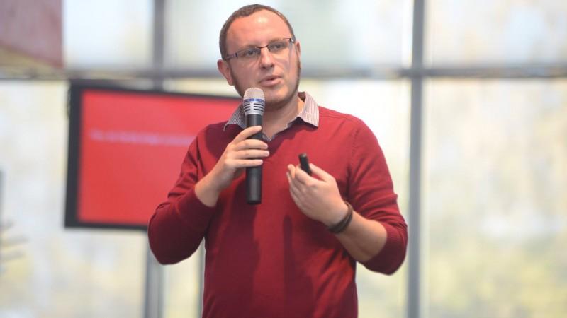 [SMARK KnowHow: Marketing Research & Trends] Digitalizarea, clientii si agentiile. Stefan Chiritescu: Orice tip de organizatie trebuie sa devina 'digitally fit'