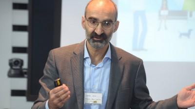 [SMARK KnowHow: Marketing Research & Trends] Daniel Enescu, despre epoca multiscreen-ului si consumul de media: 4 ecrane si 3 generatii