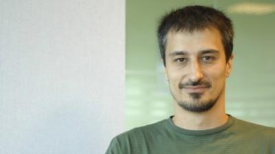 [OOH Focus] Alexandru Miu (Initiative): Este o medie in care vorbim despre autoritati si autorizatii, de oamenii care decoreaza, de trafic, de diversi timpi morti