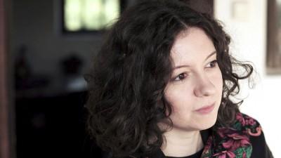 """[Cum se vinde filmul romanesc] Ana Lungu si """"Autoportretul unei fete cuminti"""": Am fost intrebata daca am ales special imaginea provocatoare pentru afis. Pentru mine, are legatura directa cu filmul"""