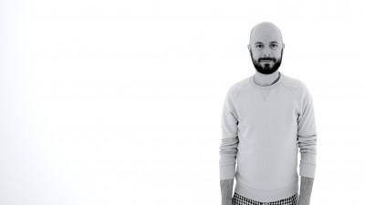 """Marius Olteanu, regizor: Este ceva in publicitate care imi place de mor - posibilitatea de a experimenta cu formalul, de a merge intr-o zona straina artistic si de a o """"cuceri"""""""