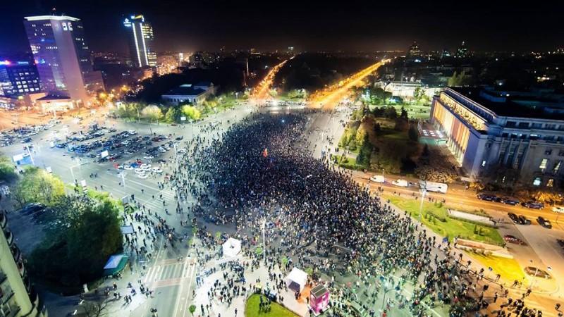 Oamenii din comunicare, despre ce e de facut cu Romania in continuare