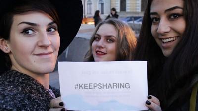 [NESCAFE 3in1 Experiences: participantii] Autorii #keepsharing: 3 pasi - idee, impachetat, impartit