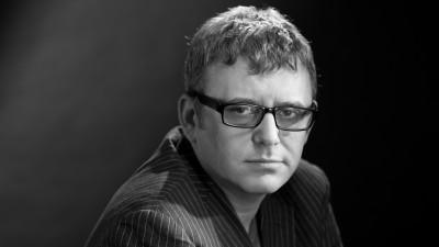 Iulian Comanescu si noua generatie: Ma simt mizantrop si sceptic prin comparatie cu ei