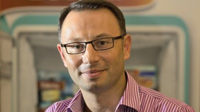 [Cum isi aleg brandurile endorserii] Albert Davidoglu (Macromex): Colaboram cu Mikey de trei ani. Un indiciu suficient din care rezulta ca suntem fericiti, atat noi cat si el, cu aceasta asociere