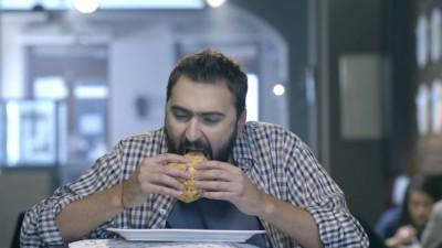 Propaganda misogina la hamburgeri