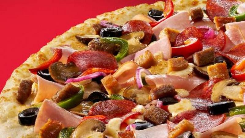 Distractia creste cu noua oferta Pizza Hut Delivery – pizza mare la pret de medie